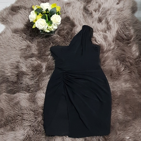 Black One Shoulder Grecian Bodycon Dress ♥️